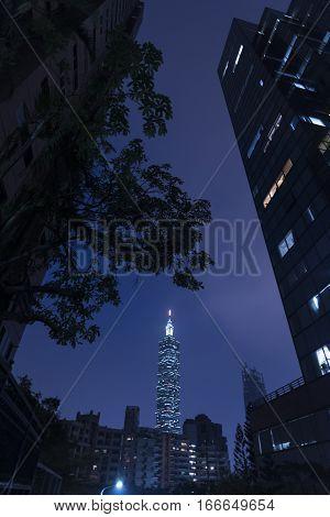 TAIPEI TAIWAN - NOVEMBER 1 2016: Taipei 101 building is a famous landmark was taken at sunset from elephant mountain