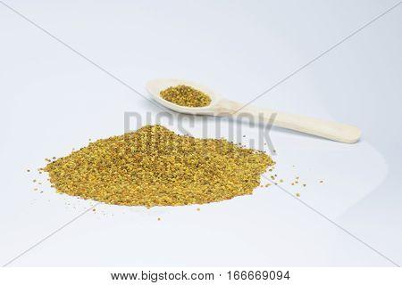 Semillas de polen contienen alto contenido en proteínas, vitaminas y hormonas que favorecen el crecimiento