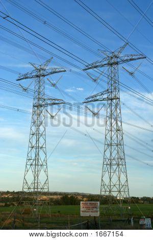 Powerlines 4