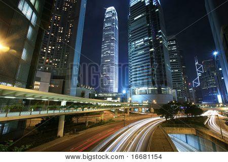 Verkehr durch die Innenstadt von HongKong