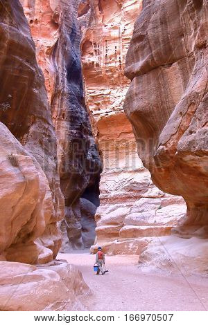 PETRA, JORDAN: The Siq Canyon leading to The Treasury (Al Khazneh)