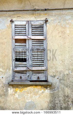 Window  Varese Palaces  Lonate C