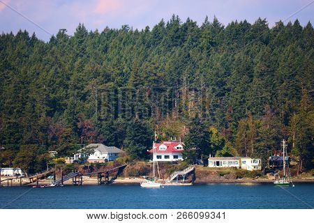 October 12, 2018 In Piers Island, Bc:  Vacation Homes Including Their Own Backyard Private Beaches A