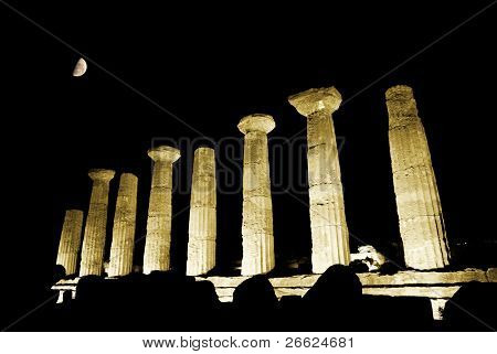 doric temple of Heracles in Agrigento (scene nocturnal with moon)
