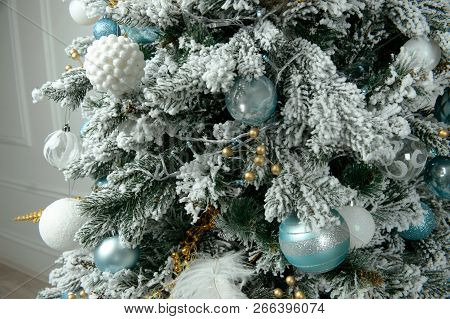 Decorated Christmas Tree. Bright Decorations For The New Year