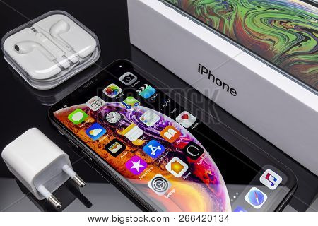 Galati, Romania - October 26, 2018: Apple Launch The New Smartphone Iphone Xs And Iphone Xs Max. Iph