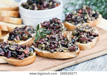 Homemade Mixed Olive Tapenade Made With Garlic, Capers, Olive Oil, Kalamata, Black And Green Olives