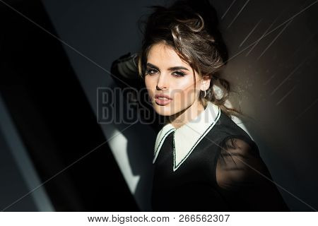 Vintage Woman With Makeup, Classic Style. Fashion Woman With Makeup In Retro Style. Beauty And Fashi