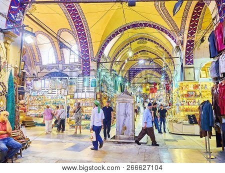 Istanbul, Turkey - July 11, 2018. Citizens And Tourists At The Passageways Of The Kapali Carsi, The
