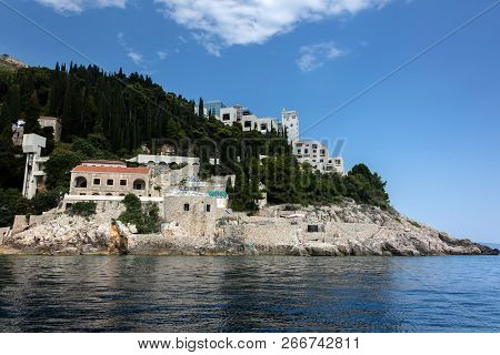 Dubrovnik, Croatia, July 31, 2018: Abandoned 5-star Hotel Belvedere, Opened In 1985 As One Of The Mo