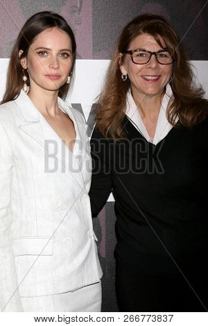 LOS ANGELES - NOV 2:  Felicity Jones, Stacy L Smith at the Power Women Summit - Friday at the InterContinental Los Angeles on November 2, 2018 in Los Angeles, CA
