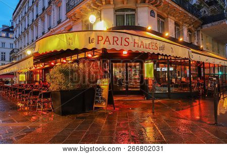 Paris, France-november 01, 2018 : The Cafe Le Paris-halles Is Traditional Parisian Cafe Located In L