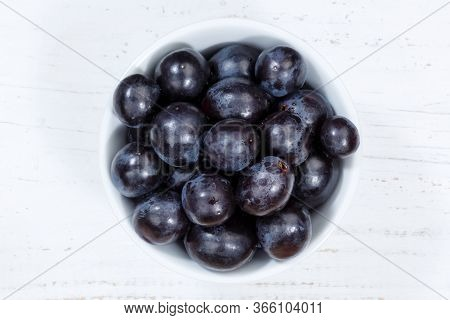 Grapes Blue Fruits Fruit From Above Bowl Wooden Board