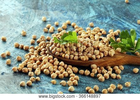 Raw Chickpeas. Chickpeas Is Nutritious Food. Healthy And Vegetarian