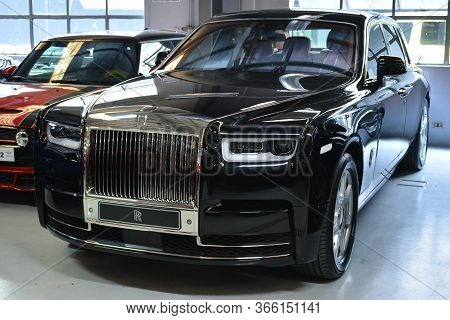 Taguig, Ph - July 13 - Rolls Royce Car On July 13, 2019 In Bonifacio Global City, Taguig, Philippine