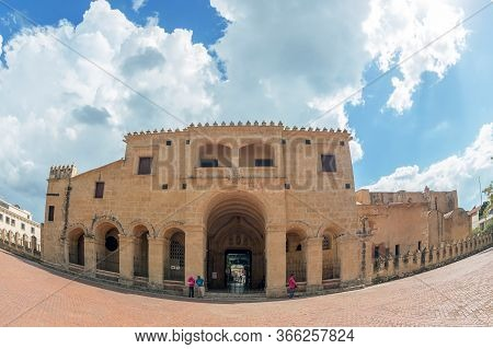 Santo Domingo, Dominican Republic - March 13, 2020: Large Angle View Of The Cathedral Of Santa Maria