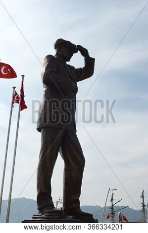 Marmaris,turkey - November 2, 2019:monument To Kemal Ataturk `peace To Homes, World Peace` On The Sq