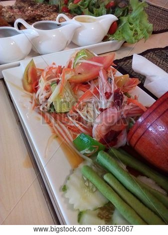 Thai Food Papaya Salad With Boiled Shrimp