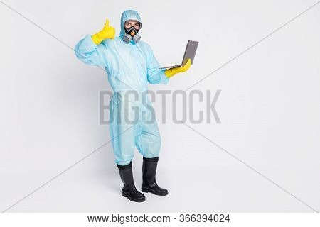Full Size Photo Doctor Man Work Remote Laptop Covid Outbreak Coworking Approve Show Thumb Up Sign We