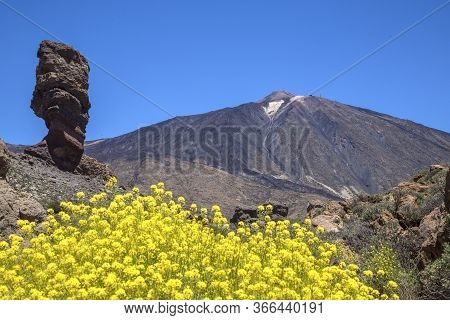 Roque Cinchado And Peak Of Teide Volcano.teide National Park, Tenerife, Canary Islands, Spain. The T
