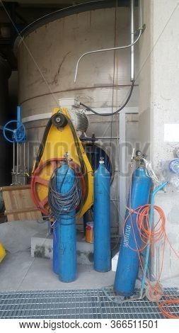 Acetylene,oxigen And Gas Steel Storage Tanks For Welding On Site