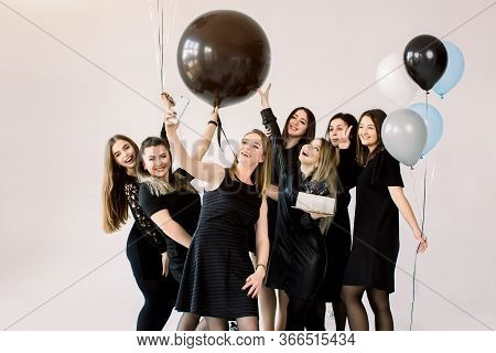 Group Of Seven Girls Best Friends Making Selfie On Smartphone, Enjoying Birthday Party With Cake And