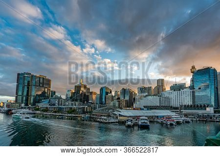 Sydney, Australia - Nov 14, 2017 : Sydney Downtown Skyline At Darling Harbor Bay, Business And Recre