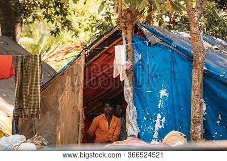 Old Goa, India - February 19, 2020: Unemployed People Live In Tents On The Street. Migrants From Oth