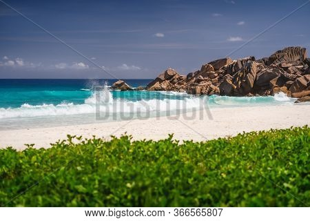 Ocean Waves At Petite Anse, La Digue In Seychelles - Tropical And Paradise Beach. Luxury Vacation De