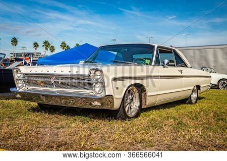 Daytona Beach, Fl / Usa- November 24, 2018: 1965 White Plymouth Sport Fury 2 Door Hardtop At The Fal