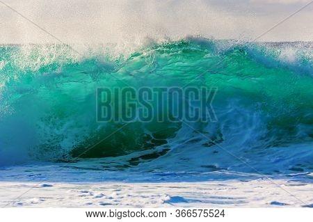 Big Wave On Oahu, Hawaii