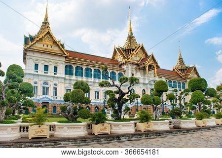 Grand Palace Complex, View To Chakri Maha Prasat Throne Hall. Bangkok, Thailand.