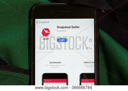 New York, Usa - 15 May 2020: Snapdeal Seller Mobile App Logo On Phone Screen, Close-up Icon, Illustr