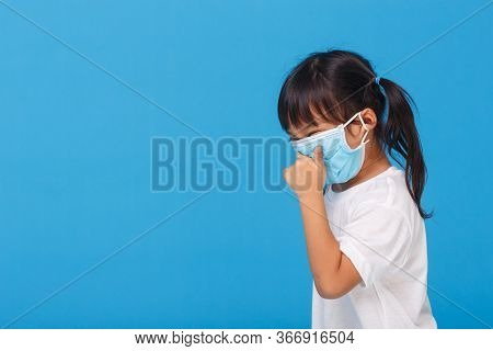 Cute Asian Girl Wearing Mask To Prevent The Virus Pm2.5, Coronavirus, (2019-ncov) Asian Little Girl