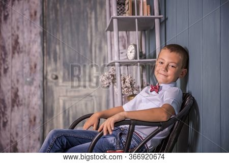 Boy Schoolboy Laughs For 8-10 Years.