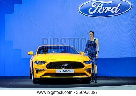 Nonthaburi-thailand 28 Nov 2018: Ford Mustang And Undentified Model Is Show On Display At The 35th T