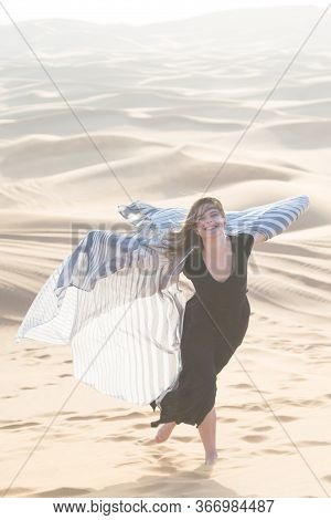 Photoshoot Of A Caucasian Girl In The Desert. Photoshoot Of A Caucasian Girl In The Desert. Dubai