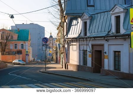Moscow, Russia - February 22, 2020: View Of Podkopaevsky Lane On A Winter Day. District Of Ivanovo H