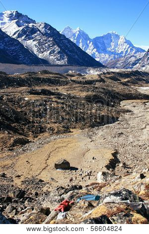 Khumbu Valley with the Himalayan Mountain Range in background in the Sagarmatha (Mount Everest) National Park in Nepal