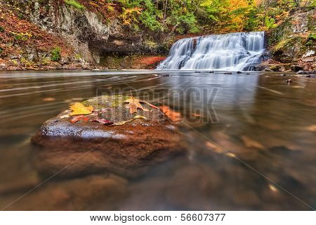 Wadsworth Falls during Autumn