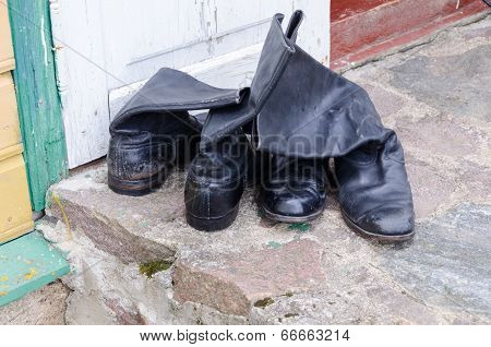 Old Leather Men Shoes On Cement Surface Outdoor