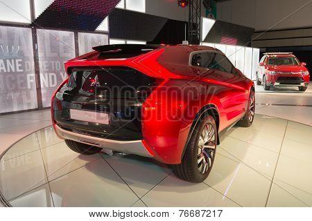 Mitsubishi Xr-phev 2015 On Display