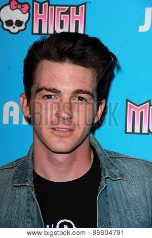 LOS ANGELES - MAR 26:  Drake Bell at the Just Jared's Throwback Thursday Party at the Moonlight Rollerway on March 26, 2015 in Glendale, CA
