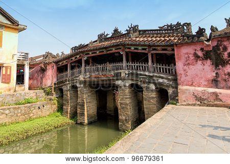 Hoian, Vietnam-jan 23:japanese Pagoda (or Bridge Pagoda) In Hoi An Ancient Town At January 23, 2015