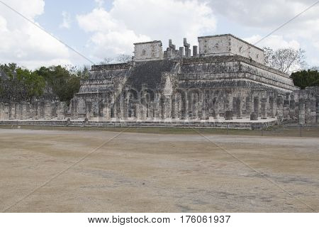 Mayan pyramid, Chichen-Itza, Mexico ancient building Maya Pyramid, Chichen-Itza, Mexico