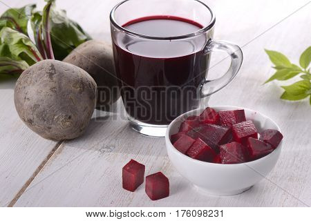 Beet, vegetable, vegetarian food, juice, wooden background