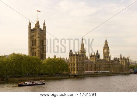 070425_379_London_Parliament