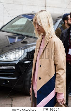 MILAN ITALY - FEBRUARY 26: Linda Tol arrives at Ferragamo fashion show during Milan Women's Fashion Week on FEBRUARY 26 2017 in Milan.