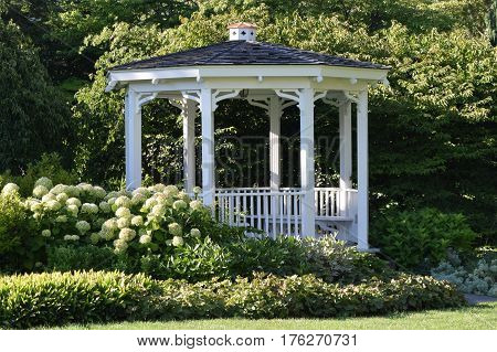 gazebo, summer, Penn State, main campus Old Main,  Executive mansion