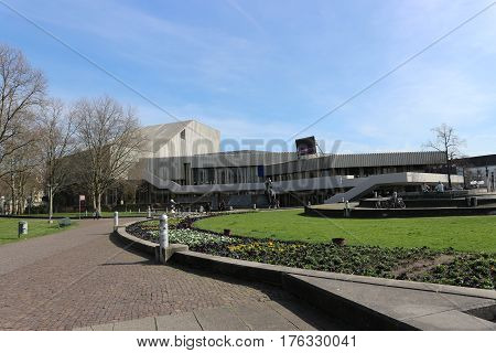 Exterior view of the theater and opera house in Karlsruhe (Badisches Staatstheater), which was built in 1975. Photo taken on: March 12th, 2017